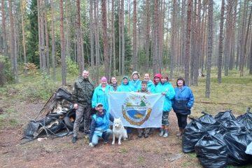 """Около 12 тонн мусора собрали эковолонтеры на териитории заказника """"Шалово-Перечицкий"""""""
